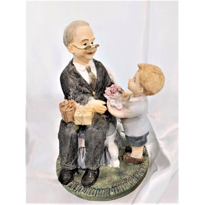 Dziadek z wnuczkiem figurka...